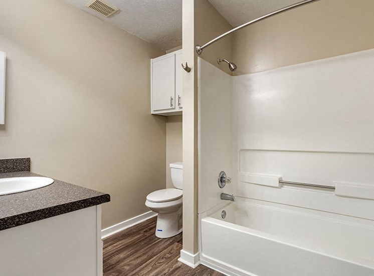 Oversized Soaking Tubs at Ridgeland Place Apartment Homes, Mississippi