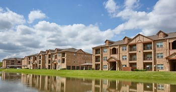 1601 Towne Crossing Boulevard 3 Beds Apartment for Rent Photo Gallery 1