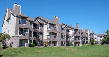 14000 Renaissance Court 1-3 Beds Apartment for Rent Photo Gallery 1