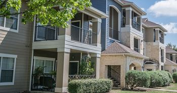 8910 N Loop 1604 West 3 Beds Apartment for Rent Photo Gallery 1
