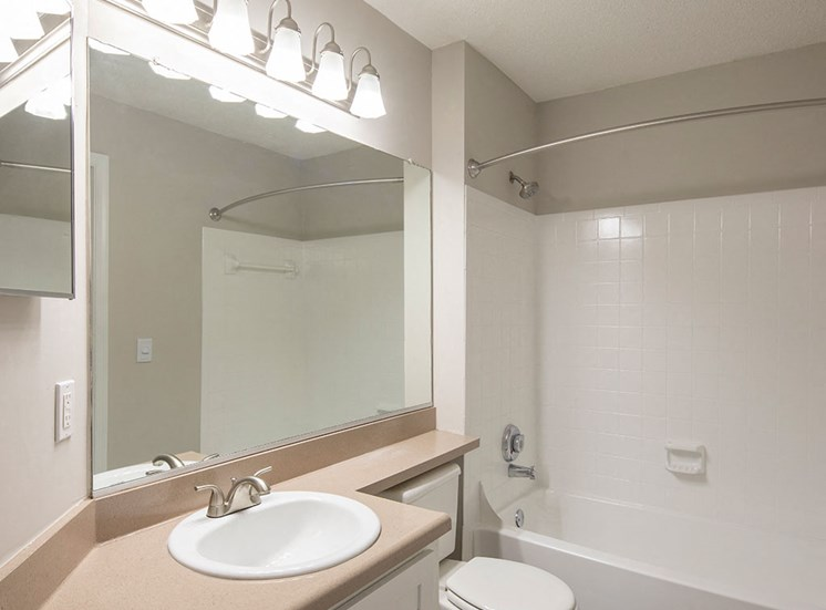 Bathroom_2_Unit_304_Marina_Shores_