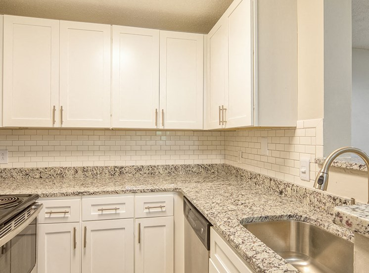 Kitchen_Unit_207_Marina_Shores_11