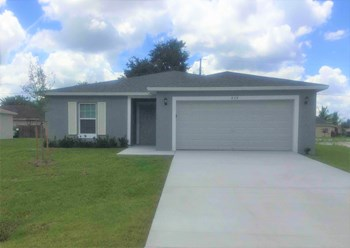 828 SW Thrift Avenue 4 Beds House for Rent Photo Gallery 1