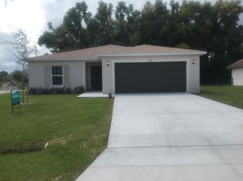 3066 SW Boxwood Cir 4 Beds House for Rent Photo Gallery 1