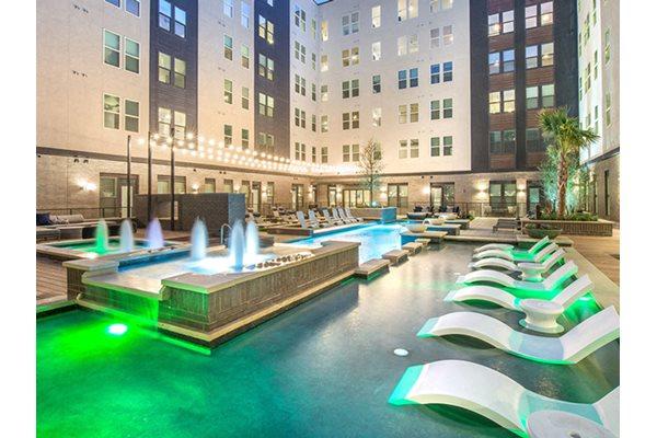Resort-Style Pool at Windsor Turtle Creek, Dallas, 75219