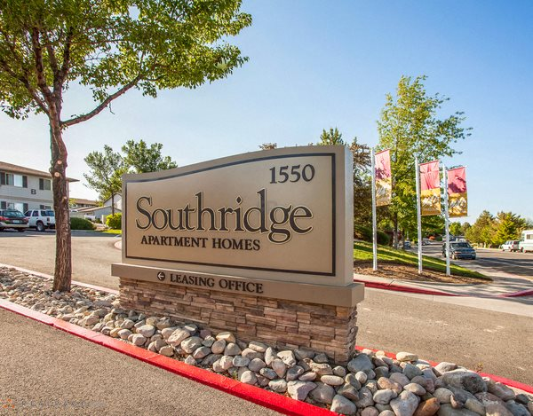 Entrance Monument SIgn Reno NV Apts For Rent at Southridge
