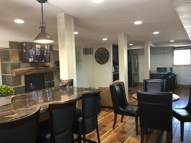 Furnished clubhouse with TV and seating Reno NV Apts For Rent at