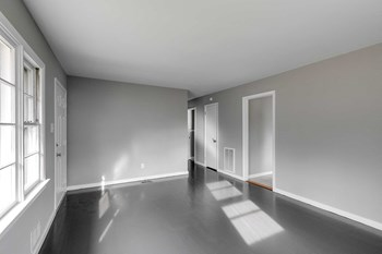 409 South Oak Avenue 3 Beds House for Rent Photo Gallery 1