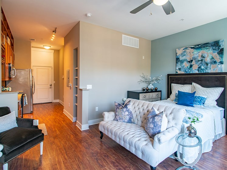 Studio Apartment at St. Marys Square Apartments, Raleigh, NC