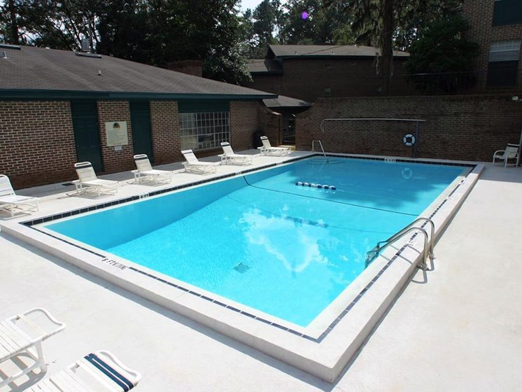 pool at Heritage Park Apartments in Tallahassee, FL 32304