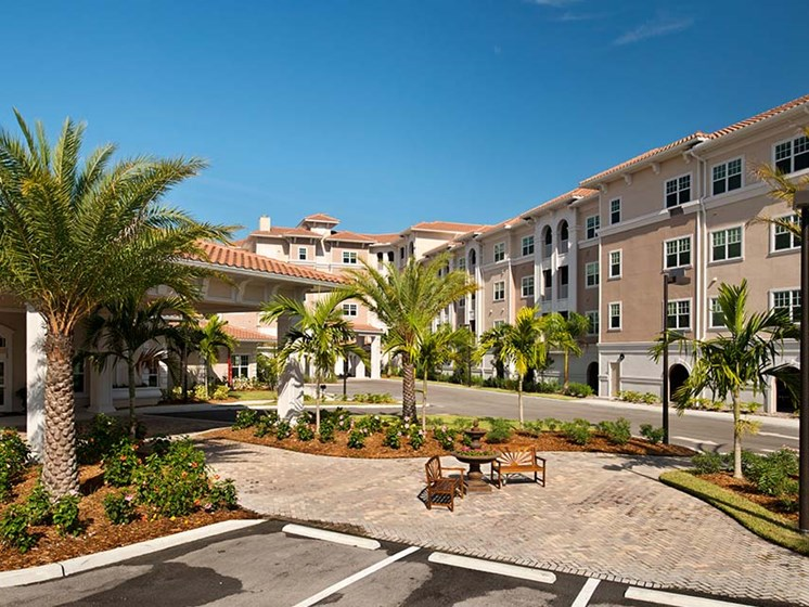 On-site management and maintenance staff at Diamond Oaks Village, Florida, 34134