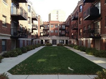 4627-4637 S Drexel blv 1-3 Beds Apartment for Rent Photo Gallery 1