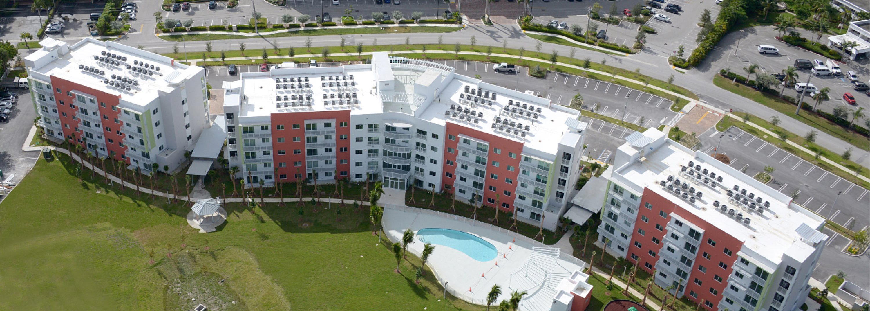 Super The Club At Crystal Lake Apartments In Deerfield Beach Fl Download Free Architecture Designs Scobabritishbridgeorg