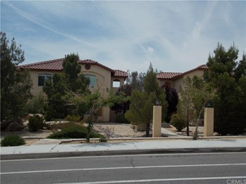 16356 Apple Valley Road 3 Beds Apartment for Rent Photo Gallery 1