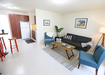2411 Ala Wai Blvd Studio-1 Bed Apartment for Rent Photo Gallery 1