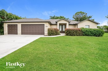 1822 SW 25Th Street 4 Beds House for Rent Photo Gallery 1