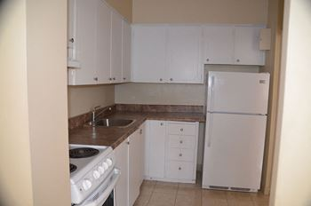 1130 Wilson Avenue Studio-3 Beds Apartment for Rent Photo Gallery 1