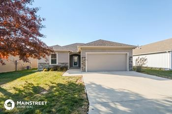 1518 NE Jaclyn Dr 2 Beds House for Rent Photo Gallery 1