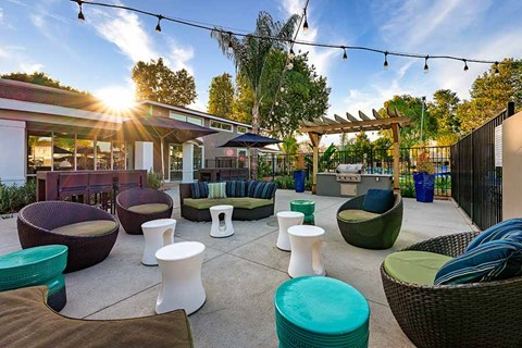Outside seating  |Nola624 Apts in West Covina