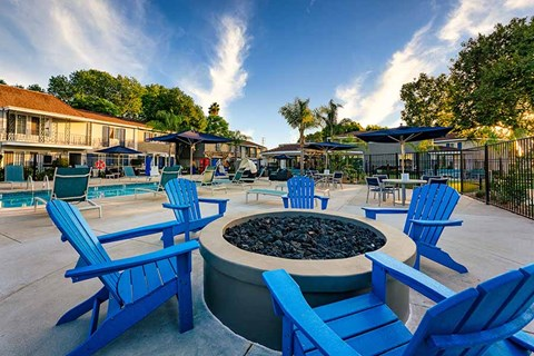 Firepit and seating |Nola624 Apts in West Covina