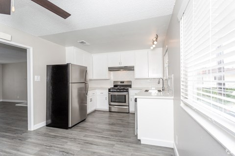 Kitchen West Covina CA ||Nola624 Apts