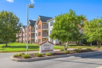 100-400 Hiawatha Lane 2-3 Beds Apartment for Rent Photo Gallery 1