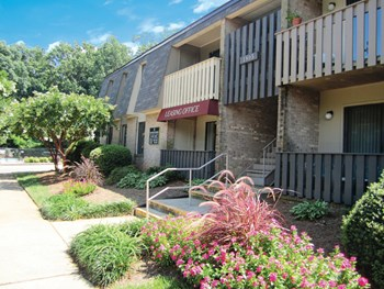 1805-D Fairfax Road 2-3 Beds Apartment for Rent Photo Gallery 1