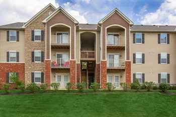 8495 Bella Woods Dr 2 Beds Apartment for Rent Photo Gallery 1