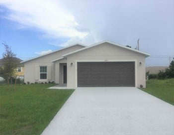 1481 SW Kamchatka Ave 4 Beds House for Rent Photo Gallery 1