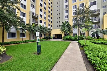 600 NW 6th St 1-3 Beds Apartment for Rent Photo Gallery 1