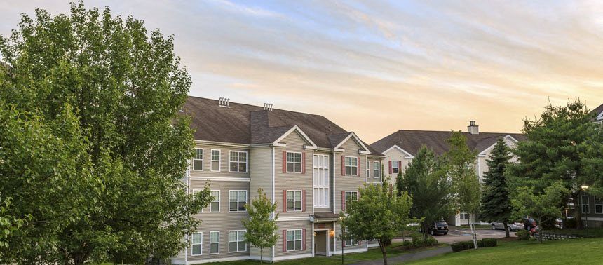 Property Exterior Banner Image for Franklin Commons Apartments, 8 Gatehouse Lane, Franklin, MA 02038