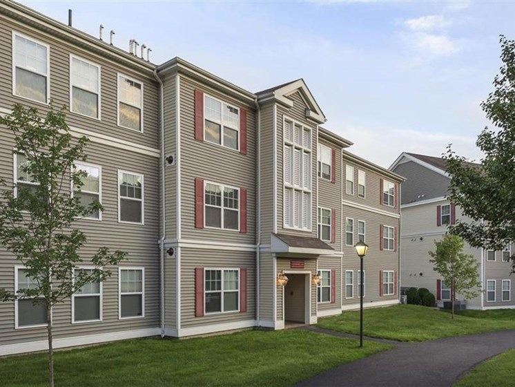 Property Exterior and Walkway at Franklin Commons Apartments in Franklin, MA