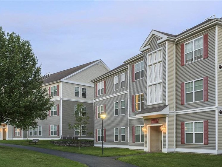 Apartment Complex Exterior at Franklin Commons Apartments in Franklin, MA