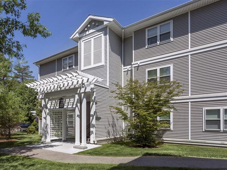 Property Exterior Entry at Quail Run Apartments in Stoughton, MA