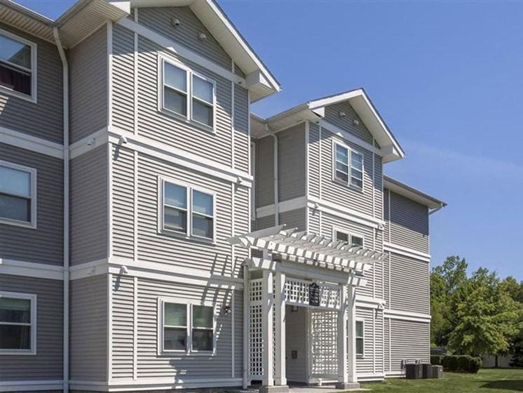 Quail Run Apartments Property Exterior in Stoughton, MA