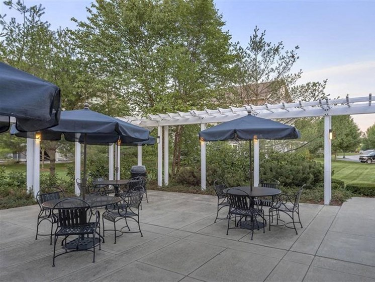 Community Outdoor Patio at Quail Run Apartments in Stoughton, MA