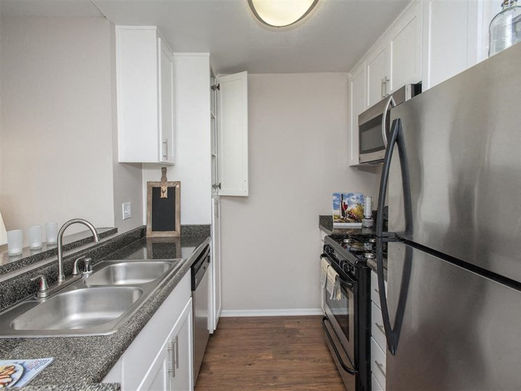 Apartments in Salinas for Rent - Cypress Creek Apartments Kitchen
