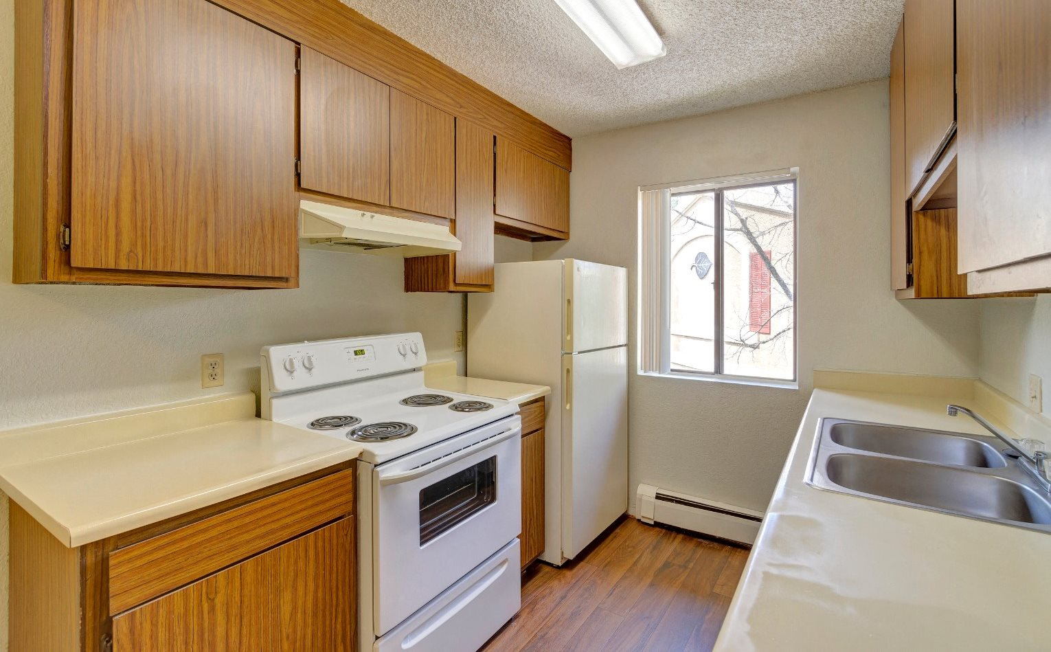 kitchen at aspen leaf apartments in flagstaff az