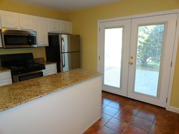 1224 29th Street 2 Beds Apartment for Rent Photo Gallery 1