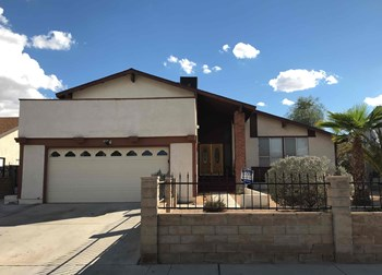 6545 Gunderson Blvd 4 Beds House for Rent Photo Gallery 1