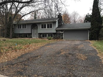 13206 Tyler Street NE 4 Beds House for Rent Photo Gallery 1