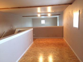 1617 NE Alberta Studio-1 Bed Apartment for Rent Photo Gallery 1