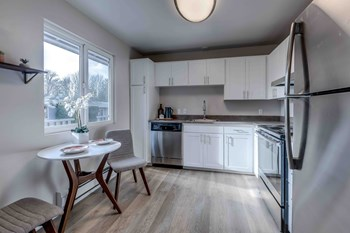 6206 S.153Rd Street #10 1-2 Beds Apartment for Rent Photo Gallery 1