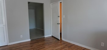 936 Mayson Turner Rd NW Studio-3 Beds Apartment for Rent Photo Gallery 1