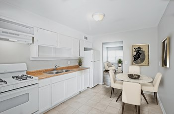 936 Mayson Turner Rd NW Studio Apartment for Rent Photo Gallery 1