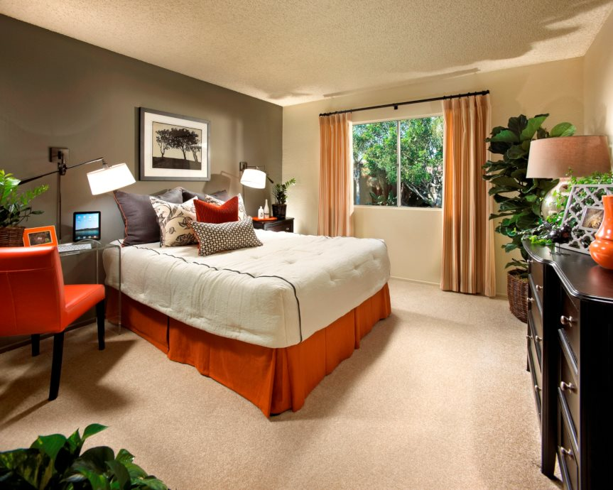 Live In Cozy Bedrooms at Corte Bella, Fountain Valley, CA, 92708