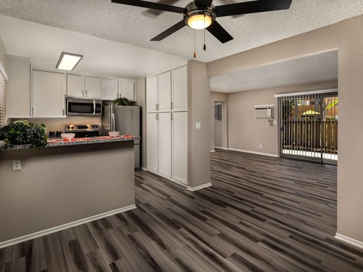 Kitchen Living Corte Bella, Fountain Valley, 92708
