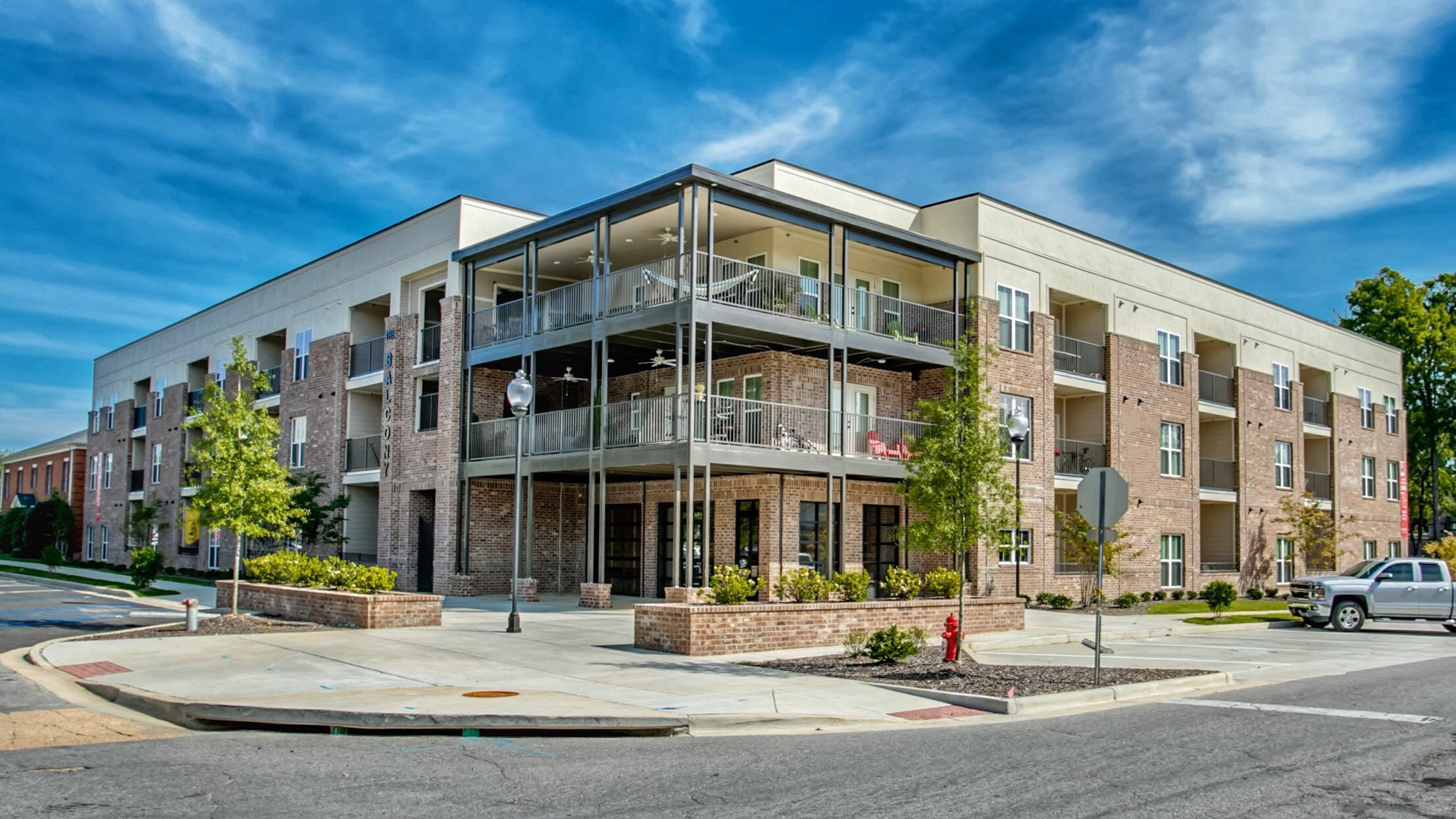 Exterior of The Balcony Apartments in Tuscaloosa, AL