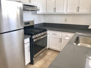 5356 Lexington Ave Studio-1 Bed Apartment for Rent Photo Gallery 1