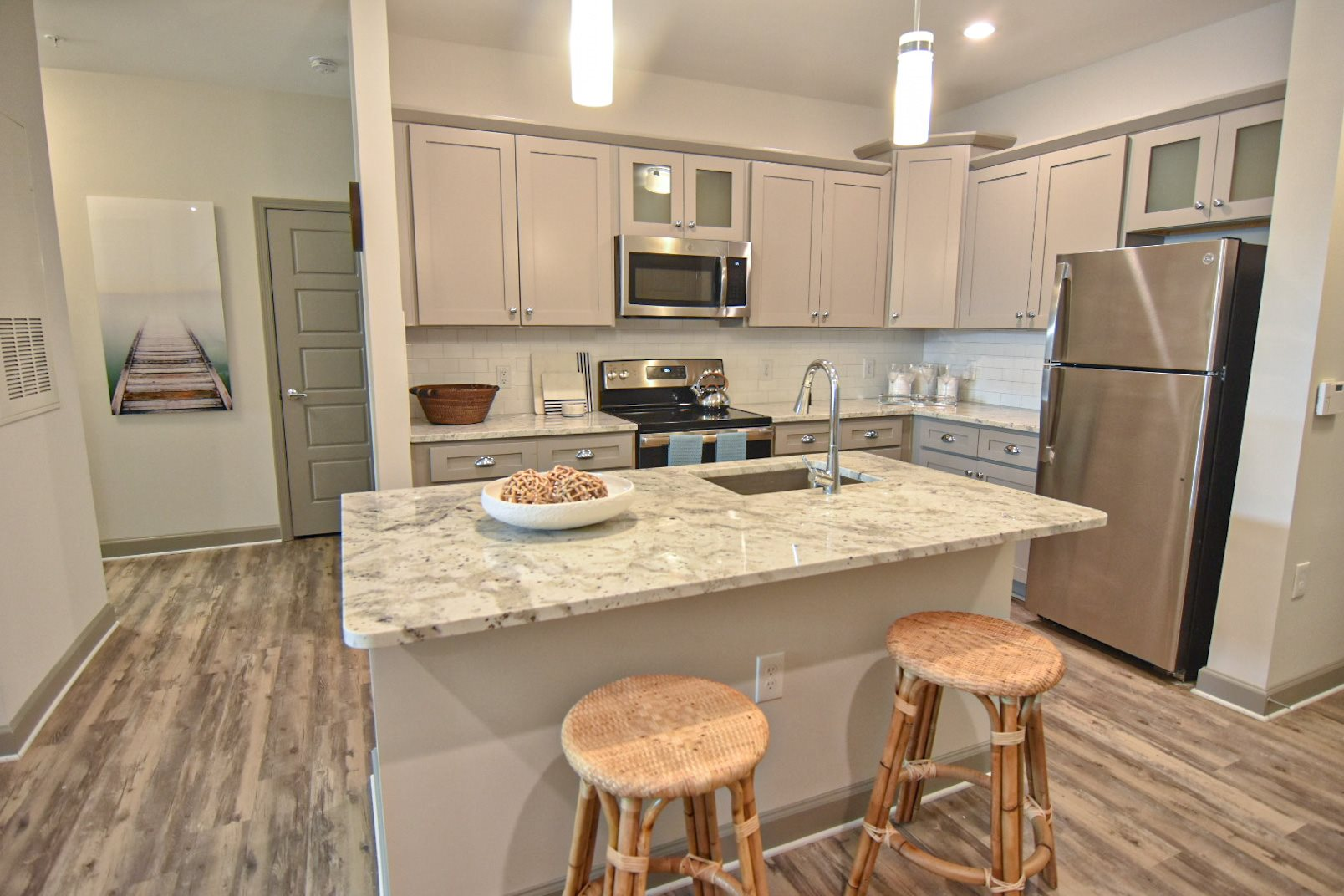 Apartment Kitchen with Breakfast Bar and Wood Flooring Smith Creek Wilmington NC